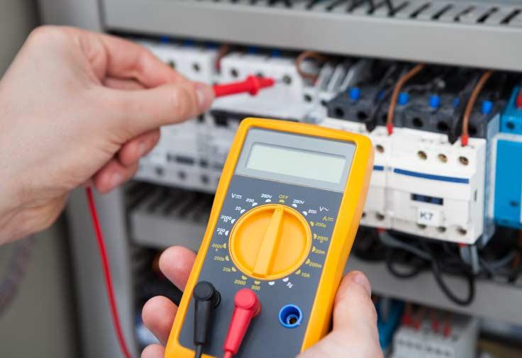 Mantenimiento a sistemas eléctricos y TICS en Medellín